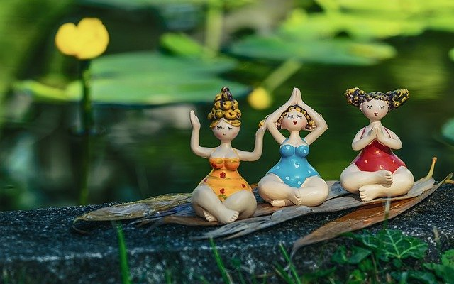 3-small-dolls-in-yoga-postures
