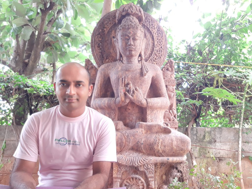Sandeep-mishra-yoga-expert-profile-photo